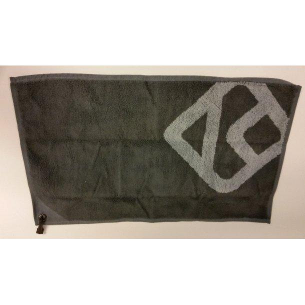 K-Gear håndklæde m/karabin 30x50 cm